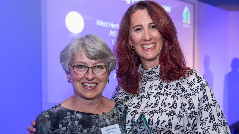 Jody Barber receiving her award from Wendy Hendrie, QuDoS judge